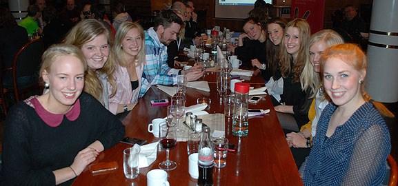 Studenter på MerIT-gala 2012