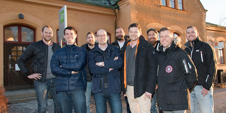 COS Systems är ett av flera IT-företag som fått stöd av Norrlandsfonden genom lån. På bilden några av de anställda. Bakre raden: Olof Mårs, Robert Johansson, Roger Olofsson, Oskar Qvarnström, Mattias Viberg. Främre raden: Spencer May, Mikael Israelsson, Isak Finér, Anders Lindehall.