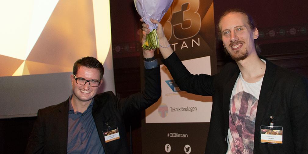 Andreas Sandström och Christian Larsen från Luna LEC firar att de utsetts till ett av Sveriges hetaste unga teknikbolag.