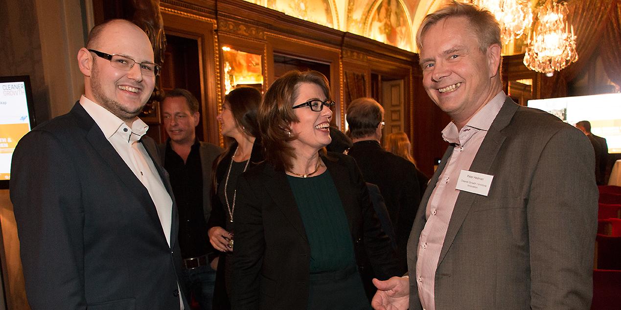 Carl-Joel Järvi och Carina Axelsson från Huawei i samtal med Peter Hedman från Cleaner Growth.