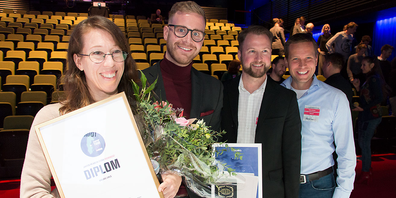 Johanna Björklund, Johannes Eriksson, Rickard Lönneborg och Niklas Jansson jublar i kapp.