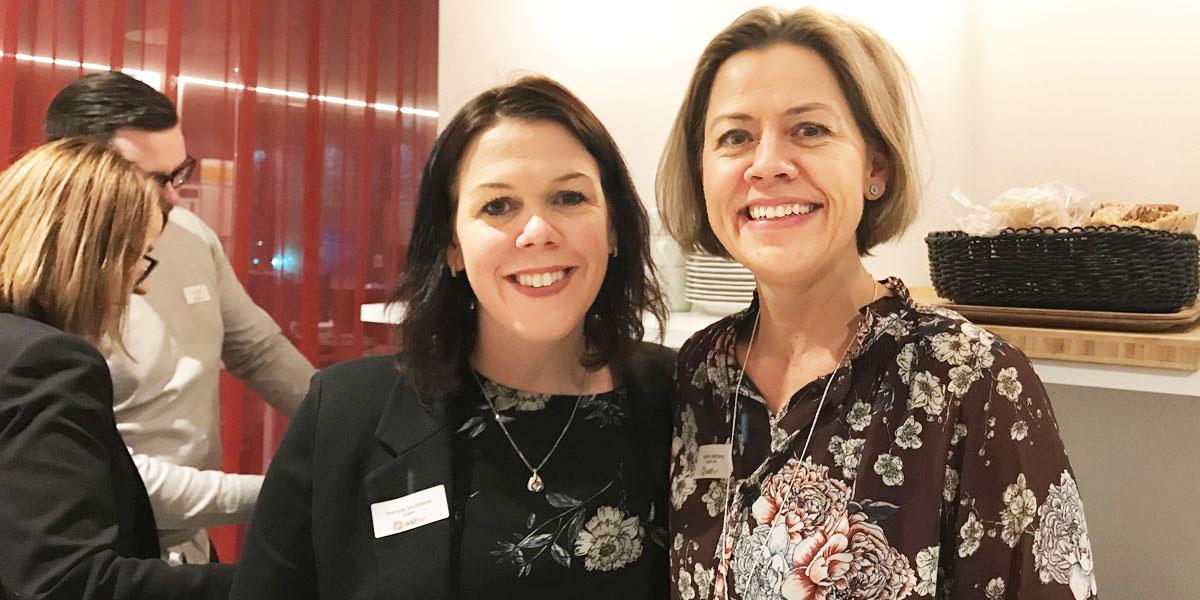 Therese Jacobsson och Kerstin Hällberg, som driver #addher i Umeå, var mycket nöjda med kvällens event då 900 deltagare från 15 orter kopplades samman med syfte att få fler kvinnor till IT-branschen.