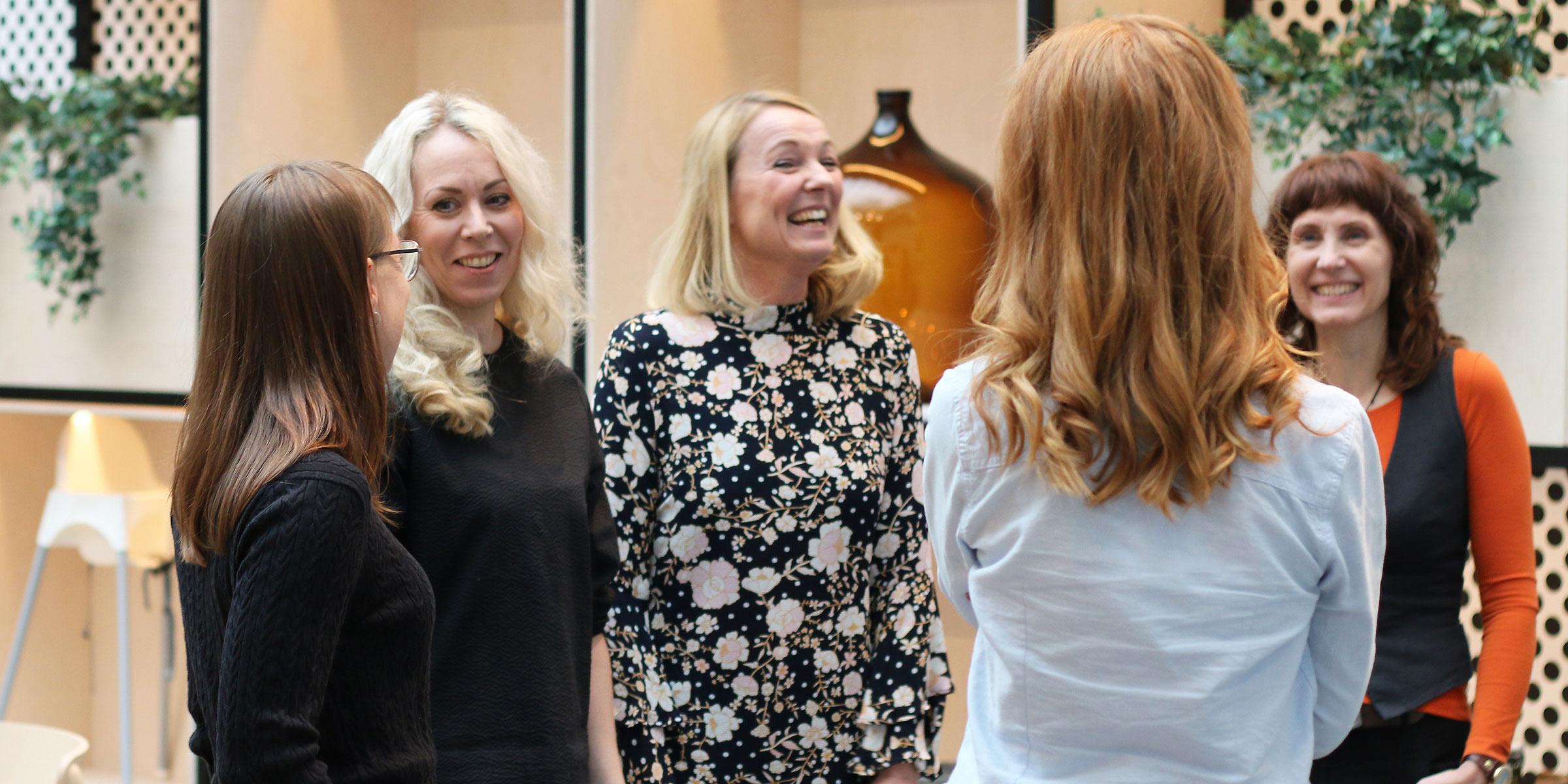 Bredden lockar kvinnor till Dizparc. På bilden syns Anna Nabb, Hanna Olsson, Helena Fransson, Lisa Naréus och Maria Söderlund.