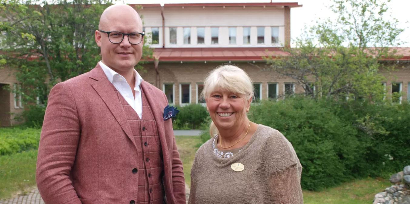 Joel Hörnqvist, vd på Tempus, och Marianne Laurin Jacobsson, verksamhetschef för förskolan i Östersunds kommun.