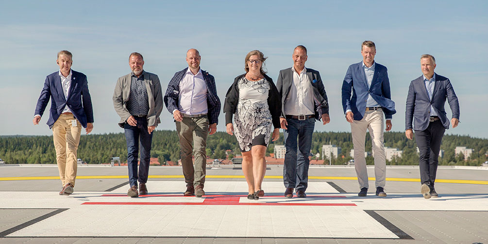 The 5G deployment in the city of Umeå will give the city in Northern Sweden a unique top position for future community solutions. Looking forward to 5G in Umeå, from left, Anders Sylvan, Västerbotten County Council, Mats Berggren, Umeå Energy UmeNet, Hans Lindberg, Umeå Municipality, Katrine Riklund, Umeå University, Robert Winroth, Chairman of Umeå 5G, Anders Kjellander, Umeå Science Park, and Peter Juneblad, Umeå municipality.