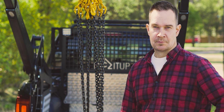 Smart innovativ lyftkran från Erik Häggström och Piczitup gör det enklare att lasta pickup-fordon.
