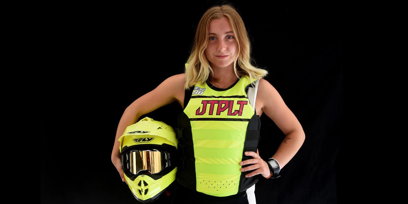 Emma-Nellie Örtendahl, världsmästare i vattenskotersporten AquaBike, blir TV-spelsfigur i spel från Zordix.