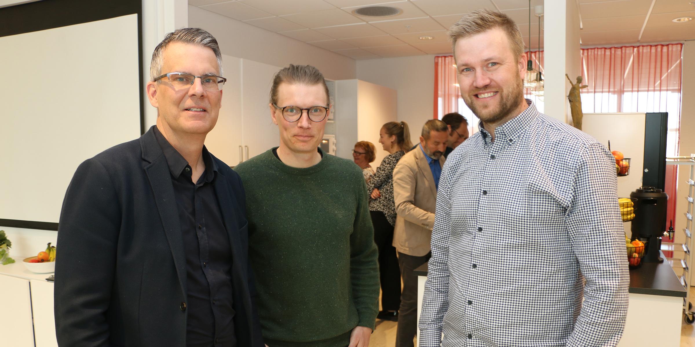 Magnus Jutterström, Simon Johansson och Petter Lindgren ingår i det team hos Sogeti som med artificiell teknik byggt en lösning som upptäcker angrepp av granbarkborren.