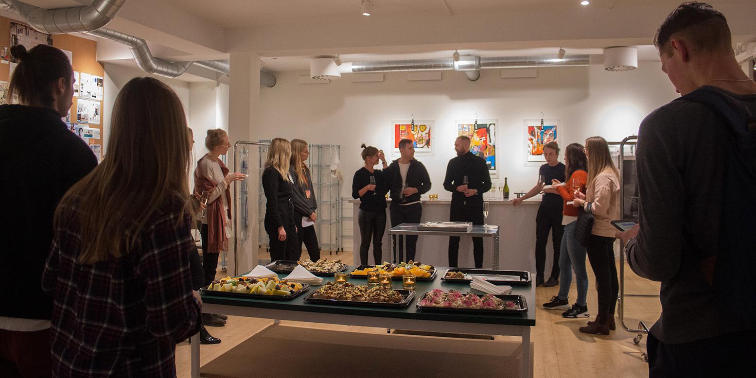 Konstföretaget Artby öppnade upp sina lokaler för Startup Coffee för studenter.